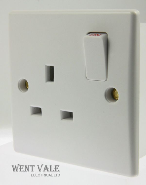 Alto - AL8801 - Slimline White Moulded 13a 1 Gang Single Socket New
